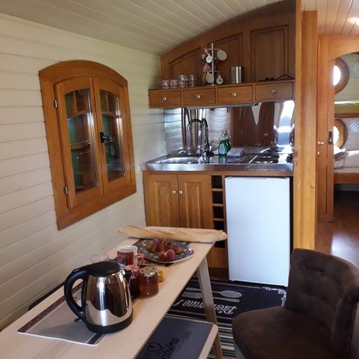 Espace intérieur avec kitchenette